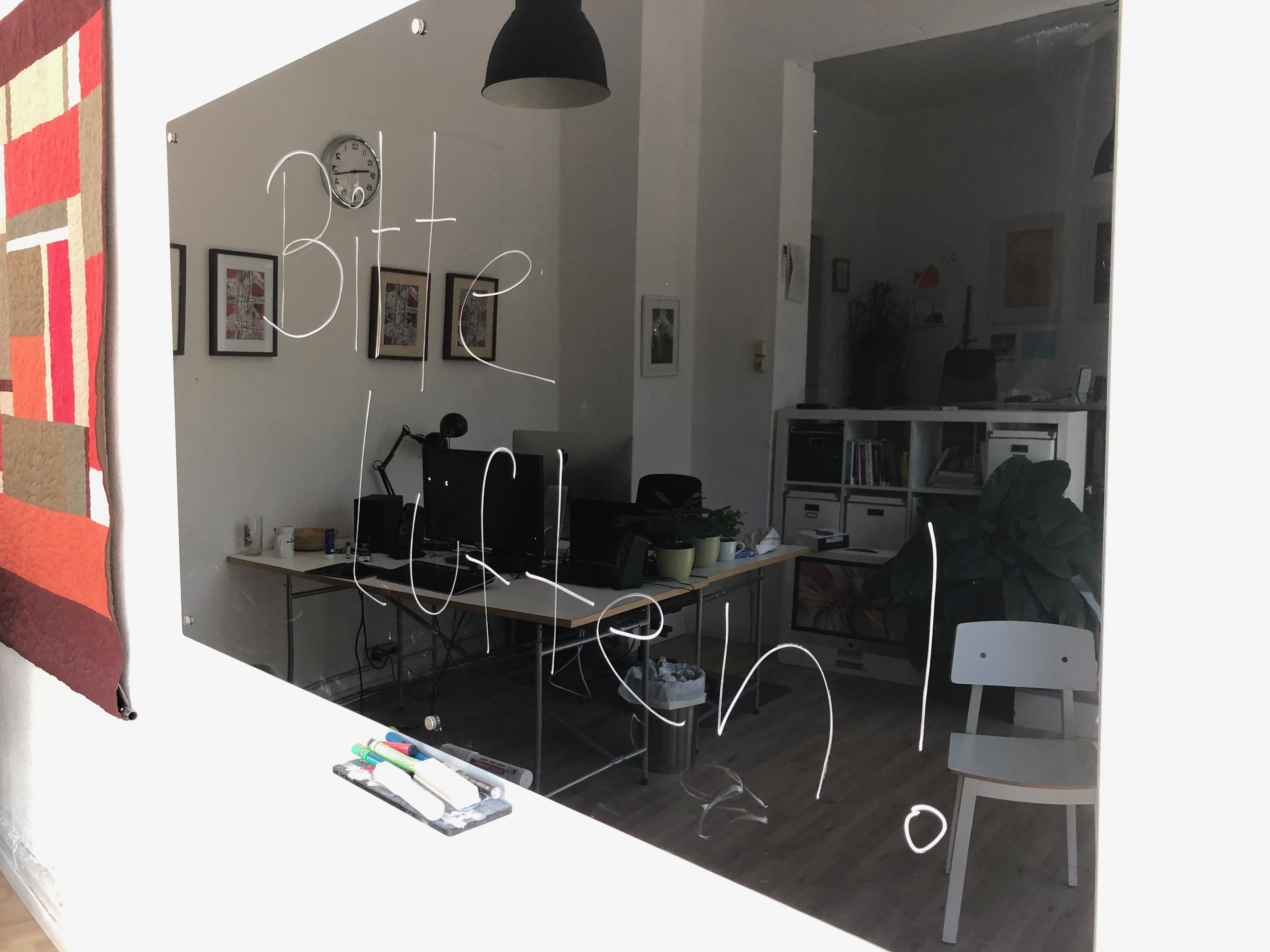 glasboard-räumen-whiteboard-lüften